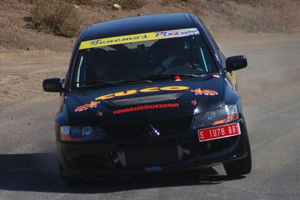 Rubén Curbelo consigue su primer triunfo absoluto en el Regional de Rallyes